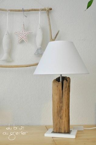 Lampe à poser socle métal et bois
